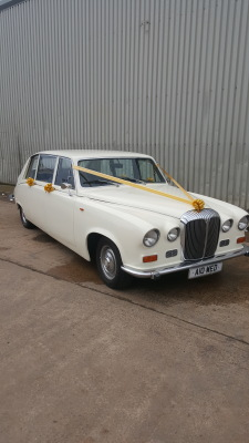Daimler DS420 In Ivory